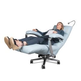 Fauteuil de repos et de soins électrique